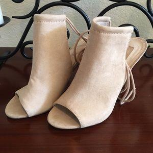 NWOT FOREVER 21 Peep Toe Stilettos Size 8.5